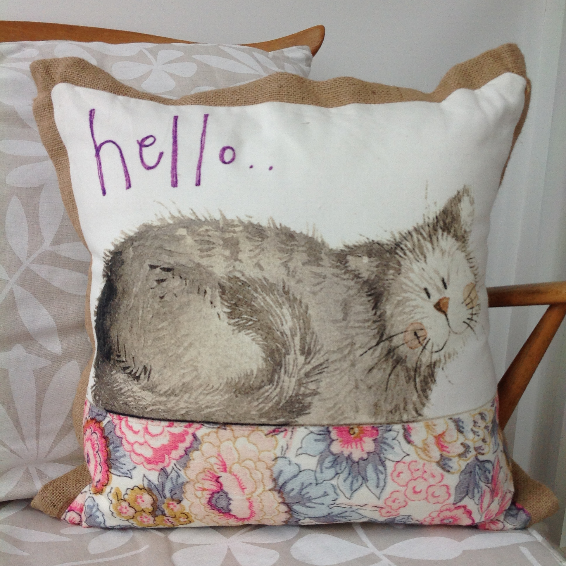catalog/products/cushions/hello-cushion.JPG