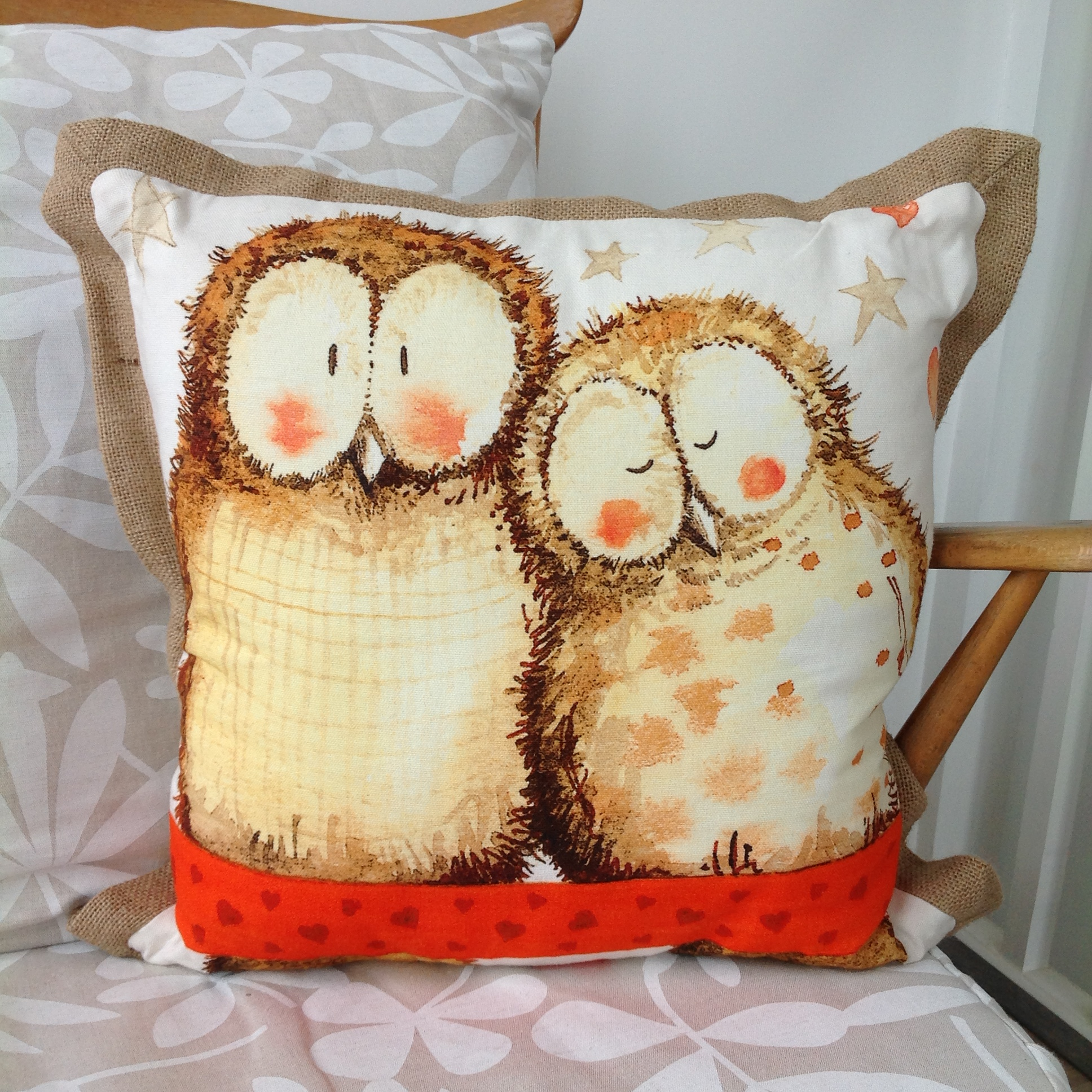 catalog/products/cushions/owls-cushion.JPG